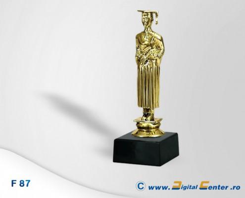 figurina trofeu absolvent