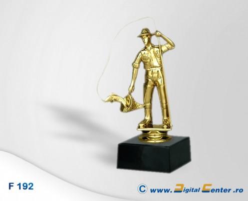figurina trofeu pescar